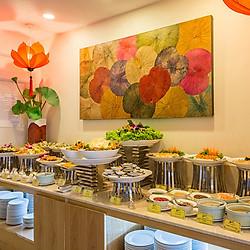 Buffet Chay Buổi Trưa Hơn 40 Món Tại Nhà Hàng Cỏ Nội - Bông Sen Hotel Annex