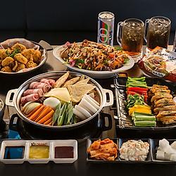 Buffet Gà Rán Cùng Lẩu Tokboki Và Các Món Ăn Kèm Độc Đáo Tại Ssal Chicken
