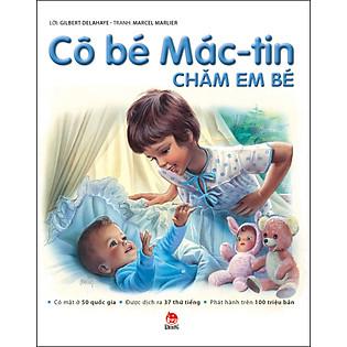 Cô Bé Mác-Tin Chăm Em Bé