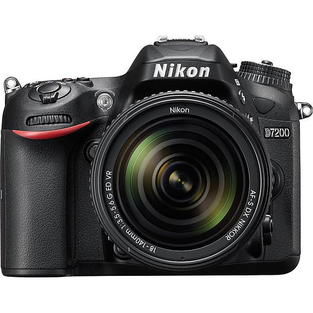 Nikon D7200 18-140mm Image