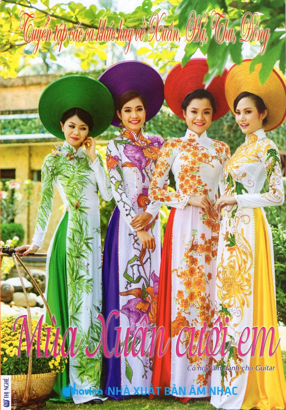 Bìa sách Tuyển Tập Các Ca Khúc Hay Về Xuân, Hạ, Thu, Đông - Mùa Xuân Cưới Em (Kèm CD)