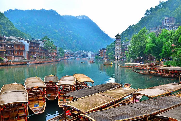 Tour Hà Nội - Trương Gia Giới - Phù Dung Trấn - Phượng Hoàng Cổ Trấn 6 Ngày 5 Đêm, Khách Sạn 4 Sao 9