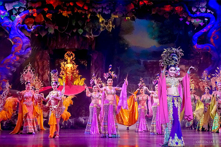 Vé Xem Colosseum Show Ở Pattaya, Thái Lan - Ghế Deluxe