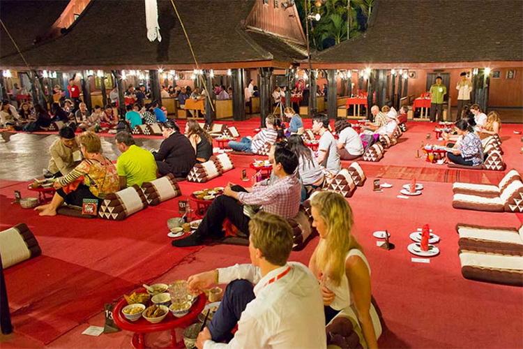 Vé Ăn Tối Khantoke Ở Old Chiang Mai Cultural Center, Thái Lan