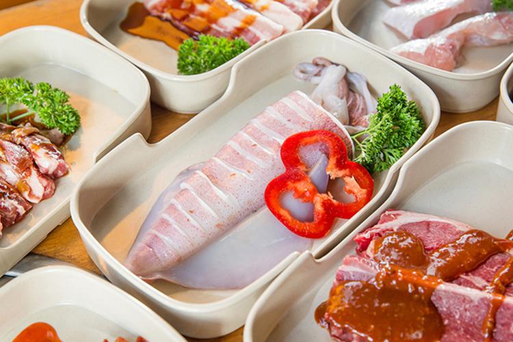 Buffet Nướng & Lẩu, Bia Tươi / Nước Ngọt Không Giới Hạn Tại Sườn Cọng BBQ