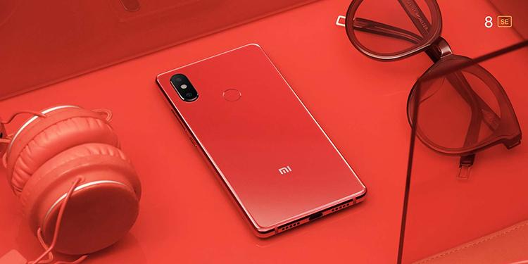 Điện Thoại Xiaomi Mi 8SE (64GB / 4GB) + Ốp Lưng + Miếng Dán Cường Lực + Tai nghe Bluetooth Siêu Nhỏ - Hàng Nhập Khẩu