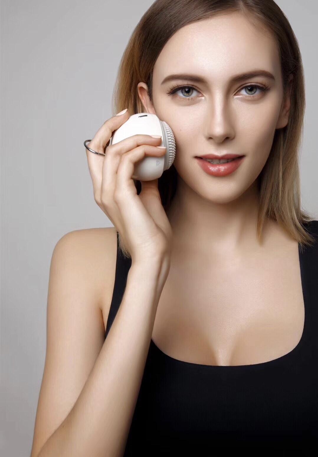 Máy máy làm sạch và massage mặt  Mipow anillo pro-sonic từ USA