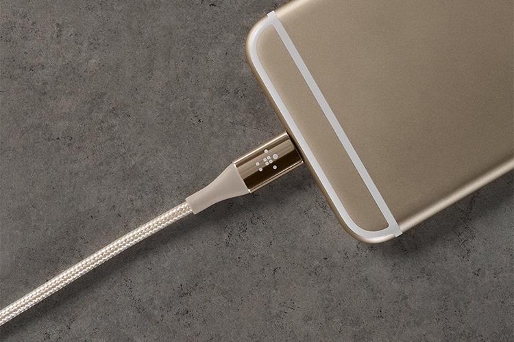 Dây Cáp Sạc Lightning Cho iPhone Sợi Kevlar Belkin F8J207BT04 1.2m - Hàng Chính Hãng