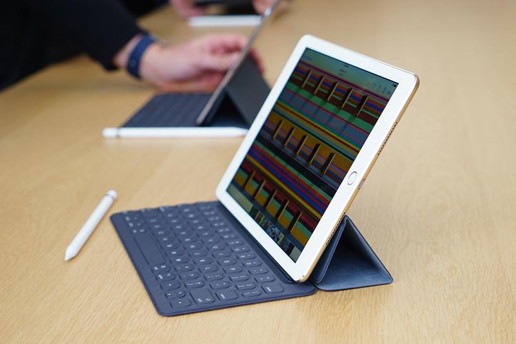 Ốp Kèm Bàn Phím Cho Ipad Pro 12.9 inch Apple MJYR2ID/A - Hàng Chính Hãng