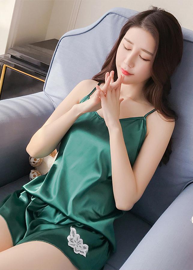 Bộ đồ ngủ nữ 2 dây lụa bóng cao cấp mềm mịn thoáng mát thêu hoa đùi quyến rũ JS-SX335