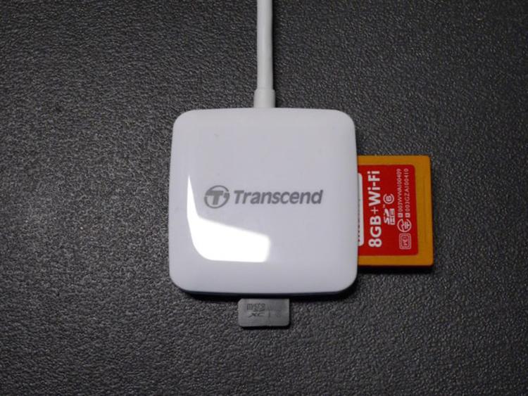Đầu Đọc Thẻ Nhớ SD / MicroSD Transcend RDA2 Cổng Lightning - Hàng Chính Hãng
