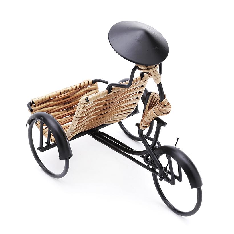 Đế điện thoại hình người đạp xích lô Eden Living EDL-C007