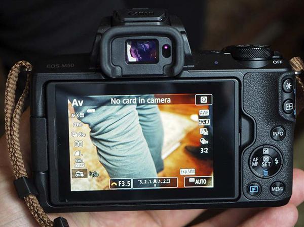 Máy Ảnh Canon EOS M50 + Kit 15-45mm (Lê Bảo Minh)
