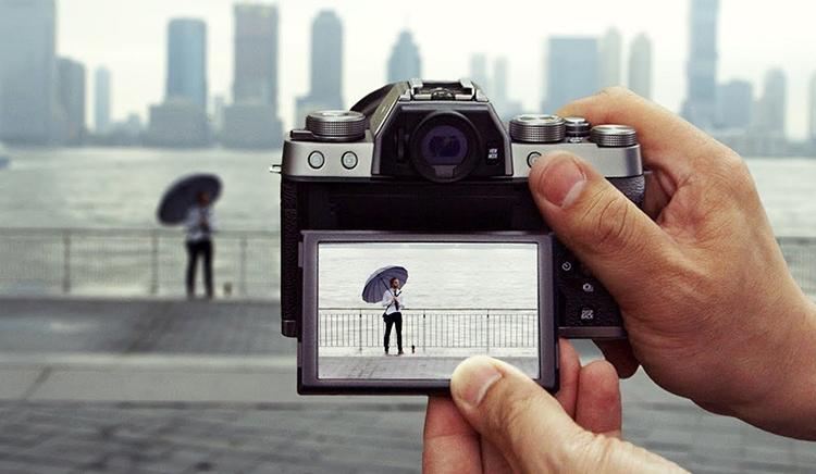 Máy Ảnh Fujifilm X-T100 Kit XC15-45mm f3.5-5.6 OIS (Bạc)